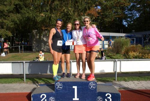 Podium Vrouwen 42km Estafette